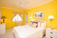 Варианты оформления спальни в желтом цвете